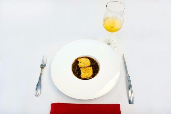 Le Bistro's Soupe à l'Oignon.