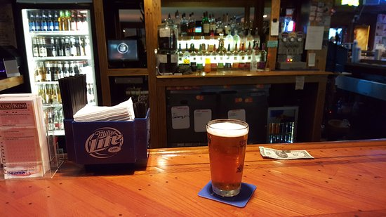 The Sky Box Sports Bar: Craft Draft