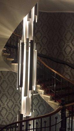 Grand Hotel Grenoble Centre : Escalier principal