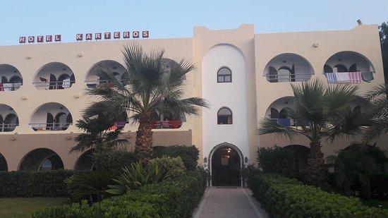 Hotel Karteros: 20170821_193801_large.jpg