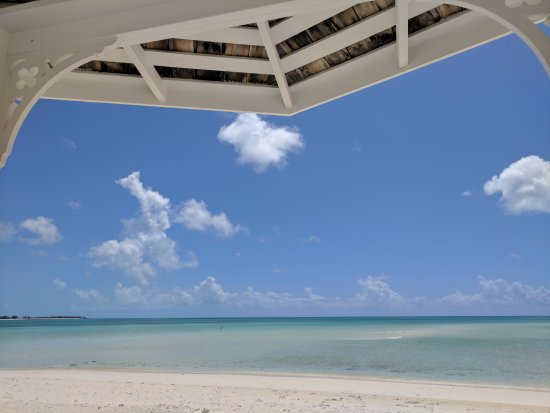 Cape Santa Maria Beach Resort & Villas: Beach in front of room