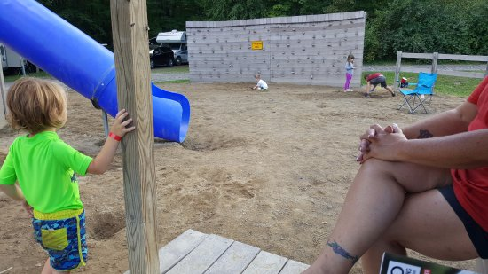 Watkins Glen-Corning KOA Camping Resort: More holes