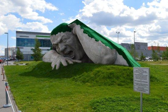 Sculpture Proryv