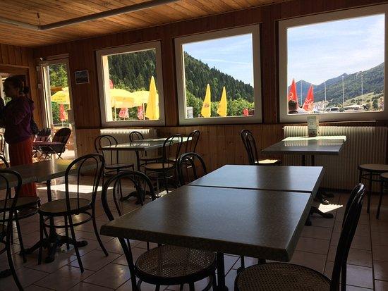 Cafeteria O Col: Nous avons été servis même au cours de l 'aprés midi !