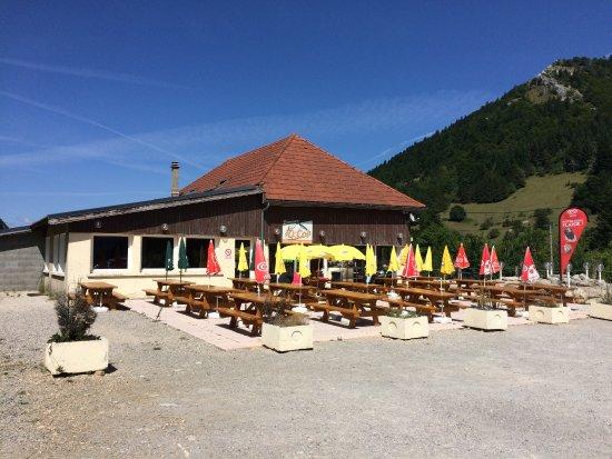 Cafeteria O Col: Une étape agréable avant la descente....