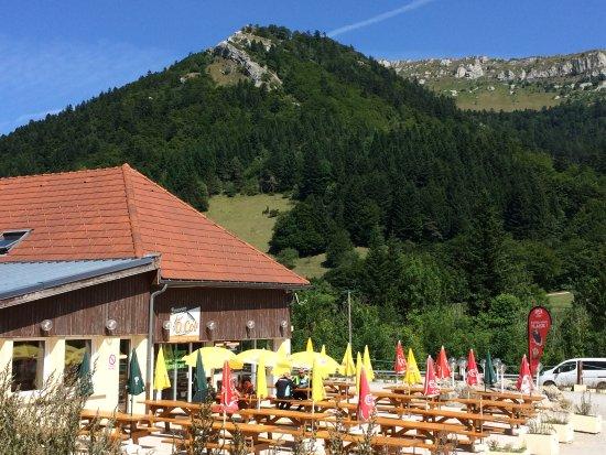 Cafeteria O Col: Le conducteur peut tranquillement profiter de la beauté des Alpes