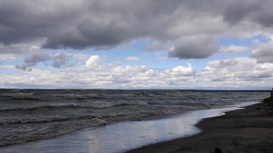 Perkinsfield, Canada: view from beach