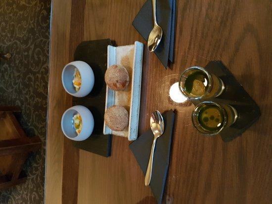 The Black Swan Hotel : Pre diner snacks!