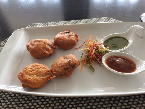 Elegance Cafe: Vegetable Pakhoras