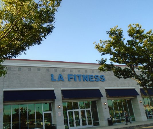 Best Western Hazlet Inn: LA fitness within 10mins