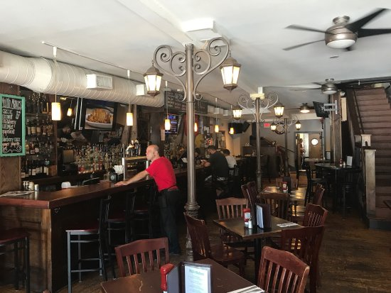 The Gas Lamp Grille : photo0.jpg