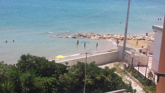 20170807_130933_large.jpg - Bild von B&B La Terrazza sul mare, Avola ...