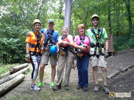 Oberlin, Огайо: We had a great time zip lining at Common Ground Canopy Tours!
