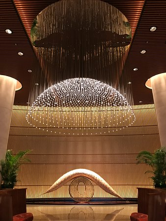 The Peninsula Tokyo: Lobby view.This is what you see when you step in.Amazing