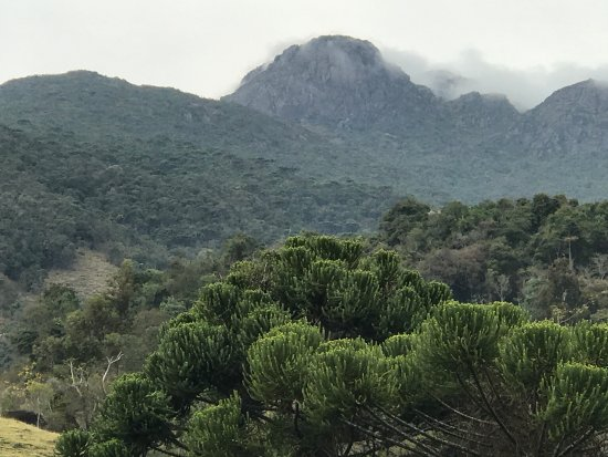 Marmelopolis, MG: Visão da montanha a partir da pousada