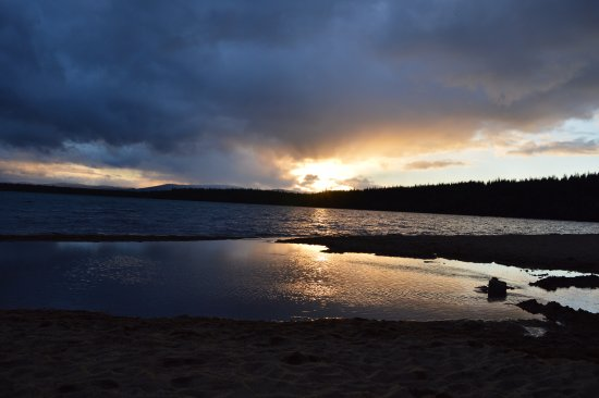 Aviemore, UK: Sun Set time is Best for Capturing on Screen.