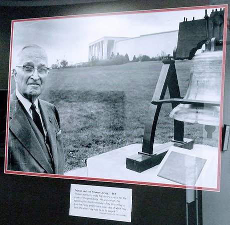 Independence, MO: Truman at the library