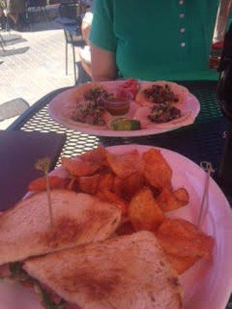 Gunbarrel Tavern & Eatery: Toasted Brie Sandwich & Street Taco's