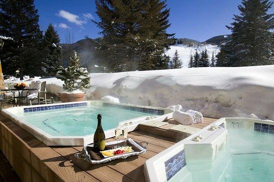 Tivoli Lodge: Hot Tubs