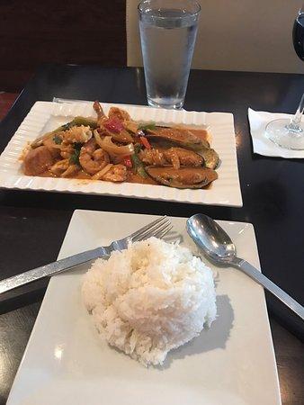 Thai curry arlington menu prices restaurant reviews for Arlington thai cuisine