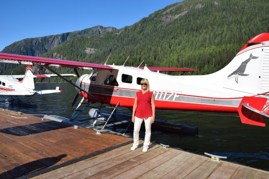 Island Wings Air Service: Our guide, Michelle is the only pilot with company
