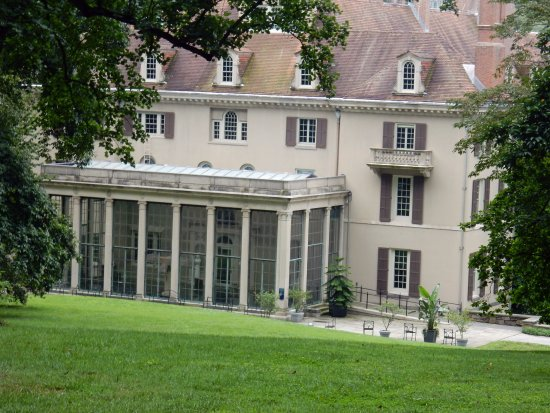 Winterthur, Делавер: a view of the house