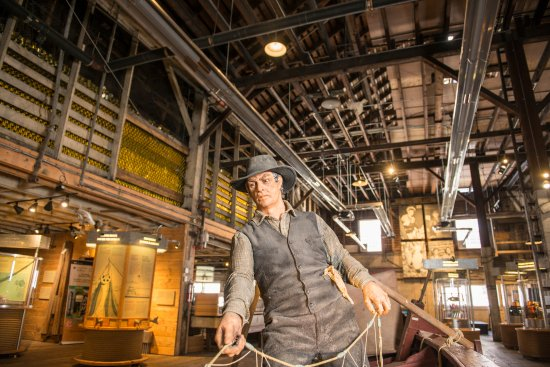 Richmond, Canadá: Fishing the West Coast inside the Cannery