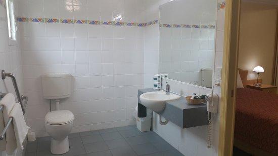 Roma, Australia: One Bedroom Apartment Access