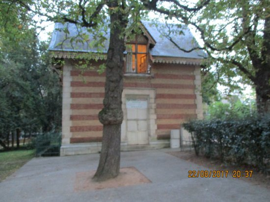 Vichy, Francia: Vue d'ensemble devant