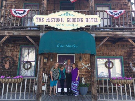 Gooding, Idaho: Judee and Catharine, and Joy and Dean Gooding