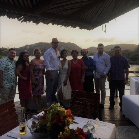 هوتل أورا ديل مار: Beautiful wedding reception with ocean view under a traditional palapa