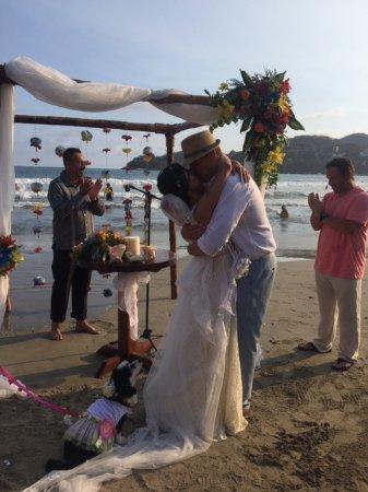 هوتل أورا ديل مار: Beach wedding was perfect!