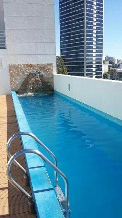 After Hotel Montevideo: Pileta en la terraza