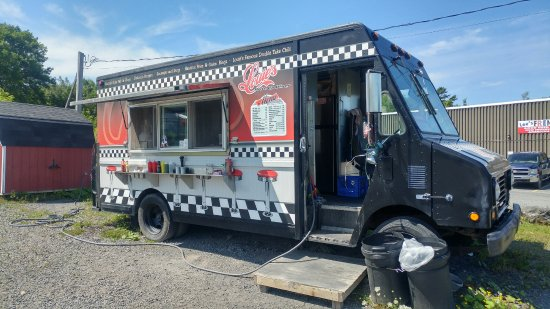 New Glasgow, Canada: Louie's Drive Up Diner