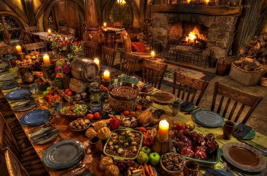 Small-Group Hobbiton Evening Banquet Tour from Rotorua
