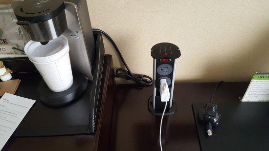 The Westin Baltimore Washington Airport - BWI: Lots of plugs on the desk- interesting setup