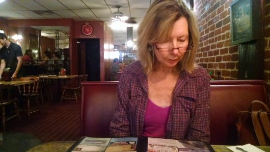 Taft, CA: My bride deciding what to order.