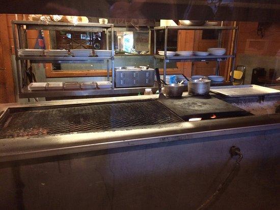 Merigold, มิซซิสซิปปี้: Grill area through glass viewing window