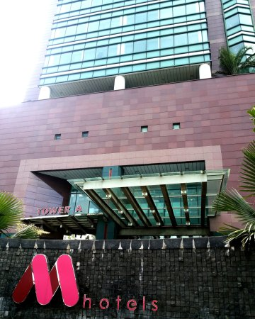M Hotels Building Hock Lee Centre Tower A Main Entrance