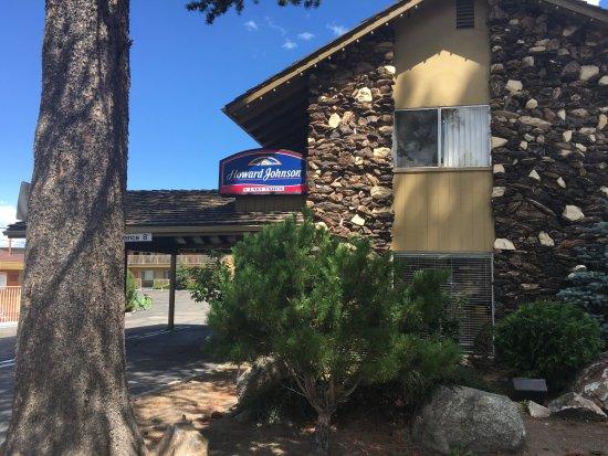 Howard Johnson by Wyndham South Lake Tahoe Photo