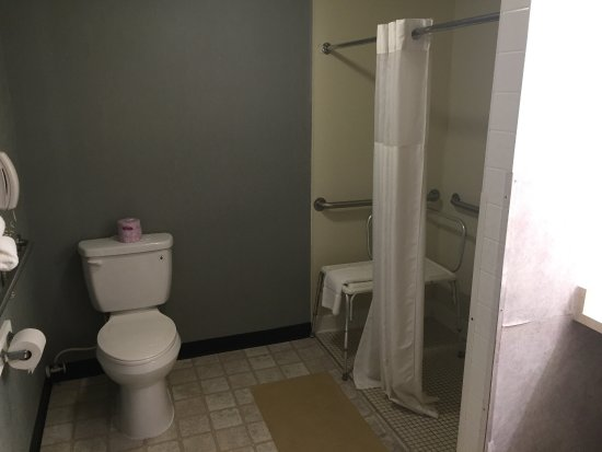 Econo Lodge Inn & Suites - Plattsburgh: photo4.jpg