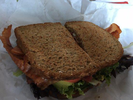 ยูเนียน, วอชิงตัน: Bacon, Lettuce, Avocado and Tomato (BLAT) sandwich