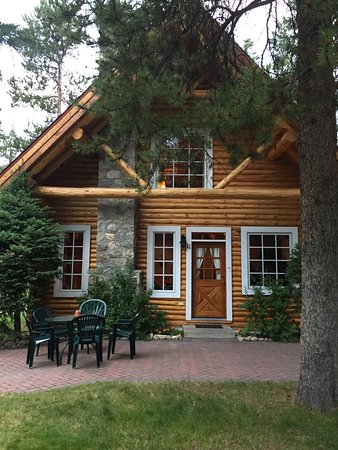 Alpine Village Cabin Resort - Jasper: Family cabin