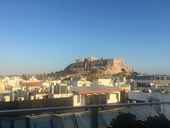 The Athens Gate Hotel: 7th floor room balcony Acropolis view