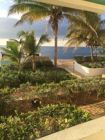 Samsara Cliffs Resort: View from ocean front room porch