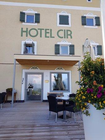Hotel Cir: Boteleingang
