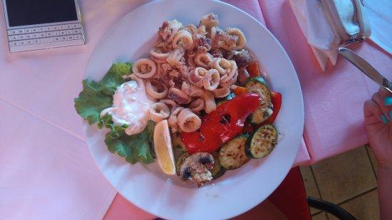 Seline, Croatia: smažené olihně