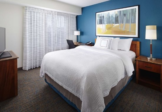 Earth City, MO: Two-Bedroom Suite Sleeping Area