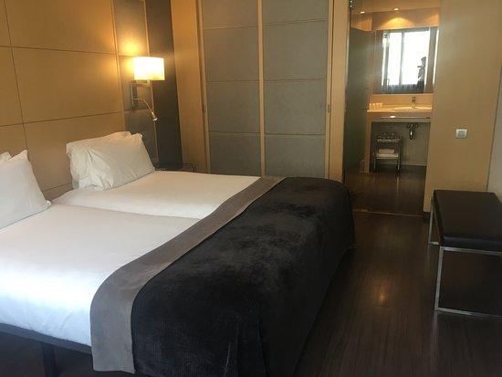 AC Hotel Victoria Suites: photo0.jpg