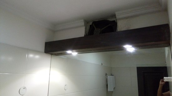 Hotel Nagpal Regency: Exhaust fan
